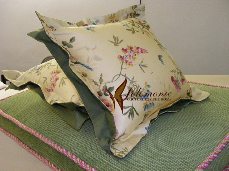 Pillows Pillows Made With Double Flange And Matching